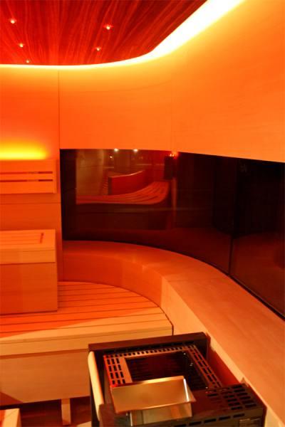 30-individuelle-sauna-ergoliege-led-licht_4