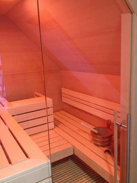 31-sauna-infrarot-kombinationskabine-dachschraege_4