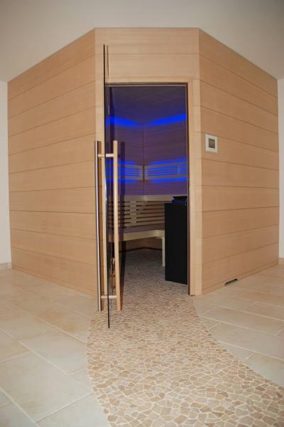 21-sauna-hemlock_350
