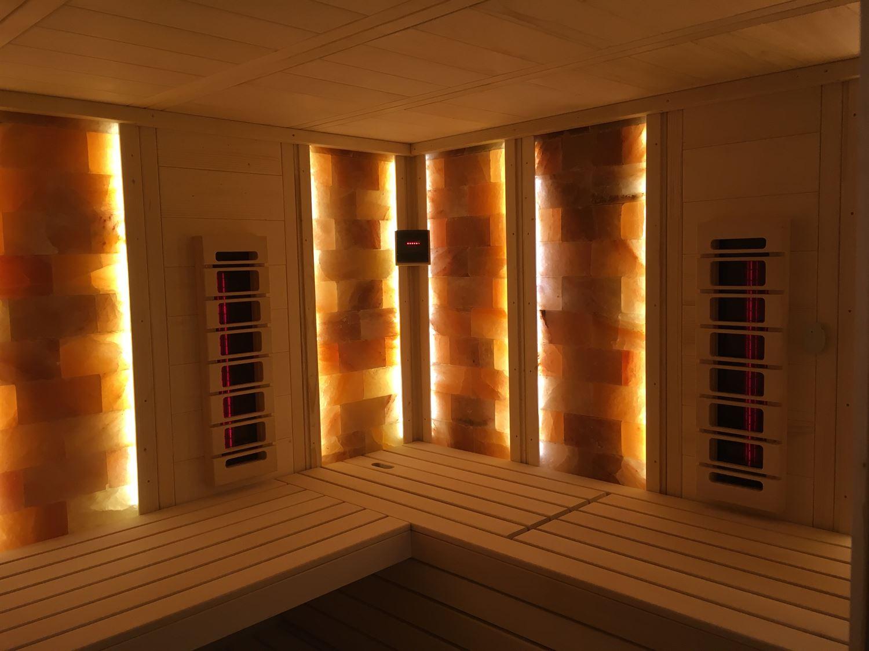 sauna-mit-salzsteinen-adaptiert-001