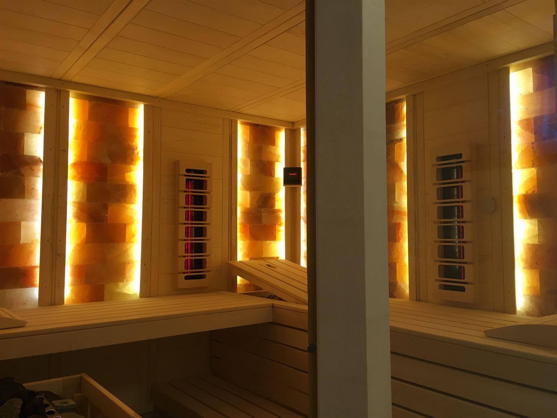 sauna-mit-salzsteinen-adaptiert-005