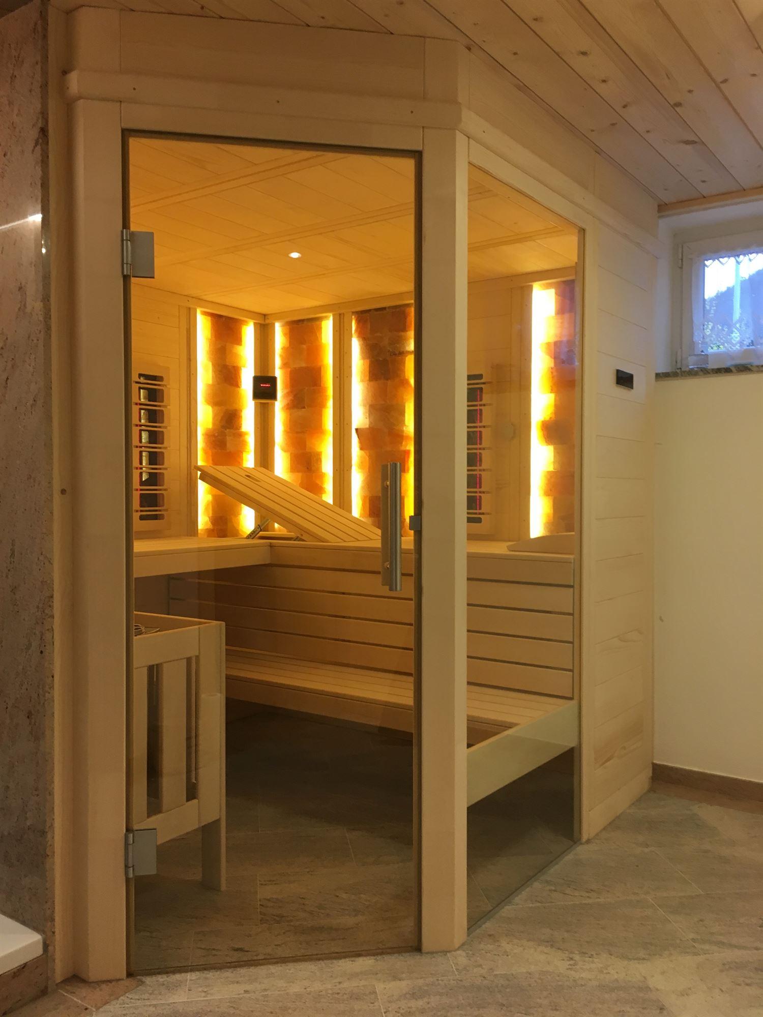 sauna-mit-salzsteinen-adaptiert-008