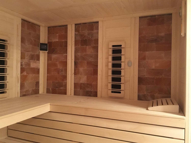 sauna-mit-salzsteinen-adaptiert-013